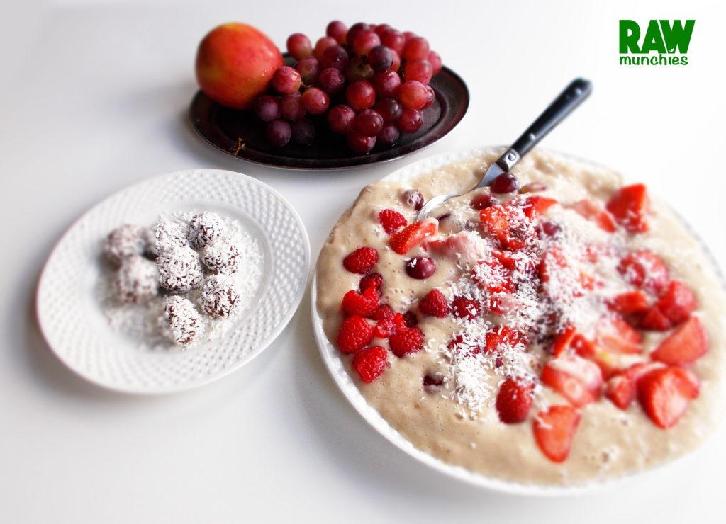 Raw Vegan Fruit Breakfast | Rawmunchies.org | Raw Vegan Recipes #RECIPE: http://rawmunchies.org/recipes #Raw #vegan #rawvegan #glutenfree