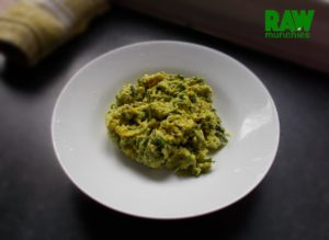 "Raw Vegan Avocado and ""Egg"" Salad 
