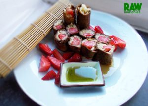 Raw Vegan Ginger Leather Fruit Sushi | Rawmunchies.org #RECIPE HERE: http://www.rawmunchies.org/recipes #Raw #vegan #rawvegan #leather