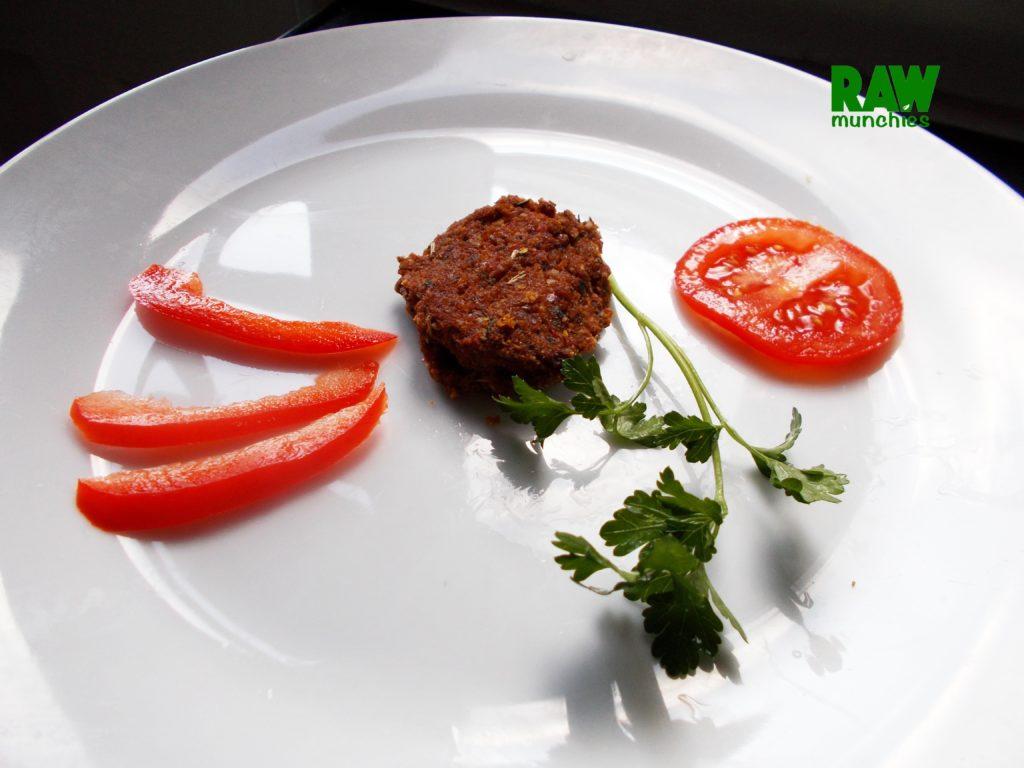 Raw Vegan Meat Patty | Rawmunchies.org #RECIPE HERE: http://www.rawmunchies.org/recipes #Raw #vegan #rawvegan #glutenfree #meatpattys #rawveganmeat #veganmeat #veganmeatballs