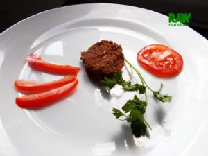 Raw Vegan Meat Patty | Rawmunchies.org #RECIPE HERE: http://www.rawmunchies.org/recipes #Raw #vegan #rawvegan #glutenfree #meatpattys #rawveganmeat #veganmeat #veganmeatballs