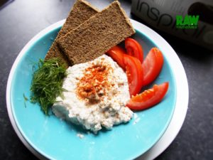 Raw Vegan Nut-Free Cottage Cheese with Herbs | Rawmunchies.org #RECIPE HERE: http://www.rawmunchies.org/recipes #Raw #vegan #rawvegan #glutenfree #rawvegancheese #vegancheese #cottagecheese