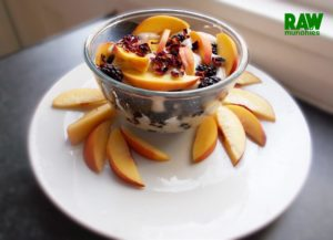 Raw Vegan Creamy Breakfast | Rawmunchies.org #RECIPE HERE: http://www.rawmunchies.org/recipes #Raw #vegan #rawvegan #glutenfree #rawvegandessert #fruit