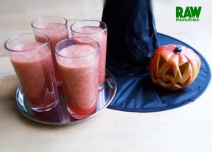 Raw Vegan Witches Brew | Rawmunchies.org #RECIPE HERE: http://www.rawmunchies.org/recipes #Raw #vegan #rawvegan #smoothies